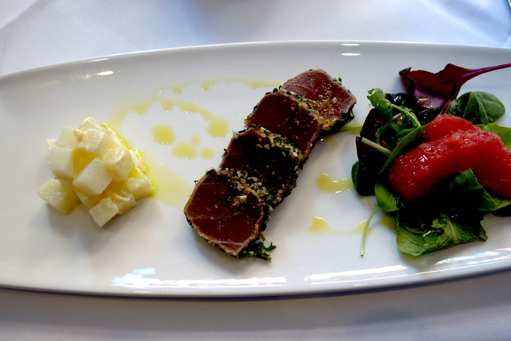 Bistro 51, St James Court - Sesame Crusted Tuna, Grapefruit Salad and Mint Potatoes