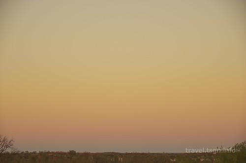 【写真】世界一周 : エアーズロック、オルガ山(朝日、パイオニア展望台より)