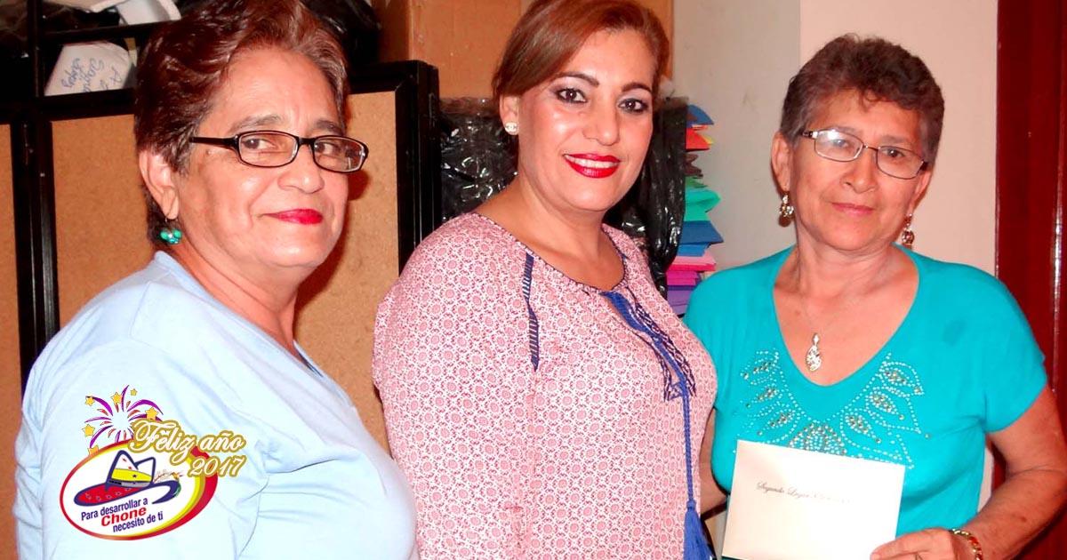 Ganadores de años viejos y pesebres recibieron premios