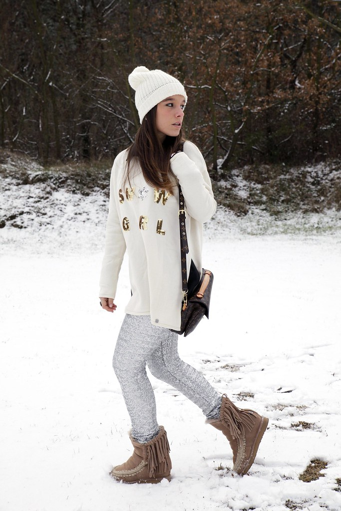 01_SNOW_GIRL_OUTFIT_THEGUESTGIRL_LAURA_SANTOLARIA_FASHION_BLOGGER_RUGACOLLECTION_MOUBOOTS_WINTER