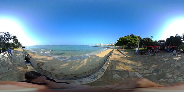 In front of the Barefoot Cafe at the Queen's Surf Beach and Sans Souci State Recreational Park in Waikiki - a 360° Equirectangular VR