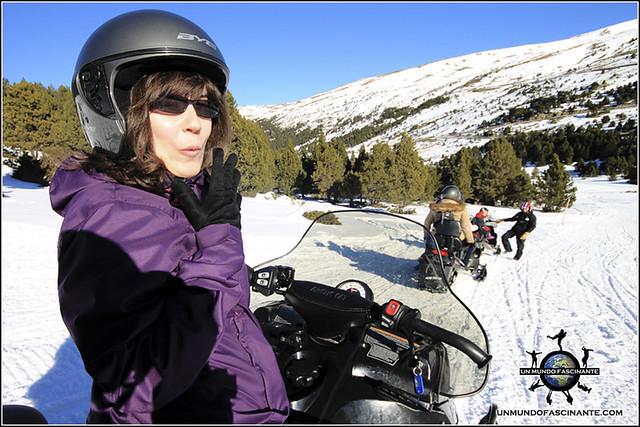Andorra, Grandvalira. Motos de nieve.