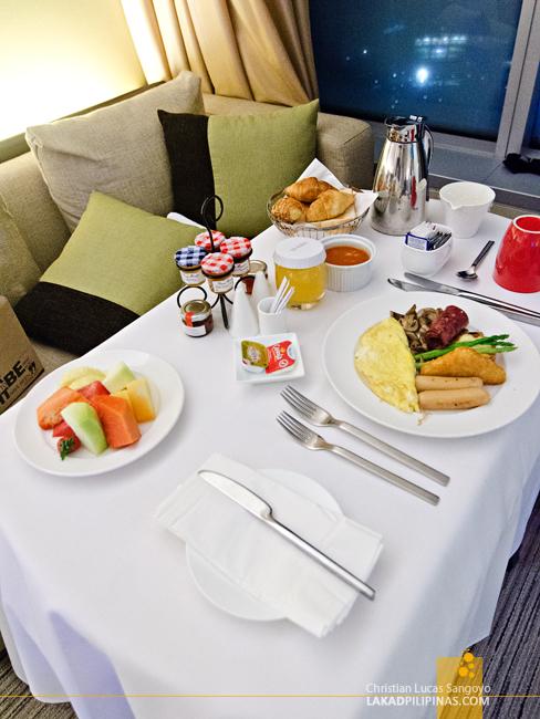 Traders Hotel Kuala Lumpur In-Room Breakfast