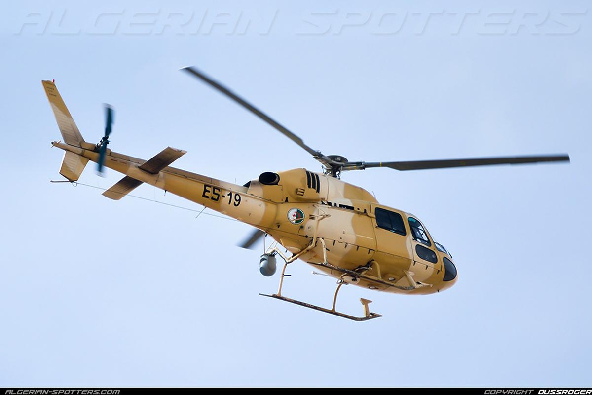 صور مروحيات القوات الجوية الجزائرية Ecureuil/Fennec ] AS-355N2 / AS-555N ] - صفحة 7 32647844176_1ff20fe1d9_o