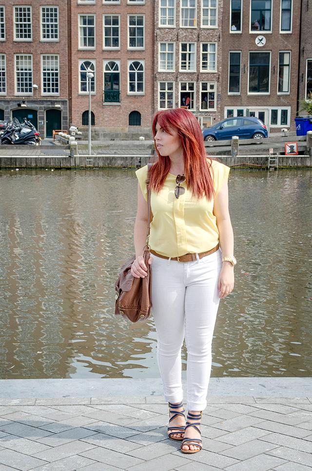 Outfit para hacer turismo en Amsterdam