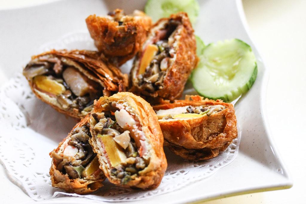 Keng Eng Kee Seafood's Mingzhu Roll
