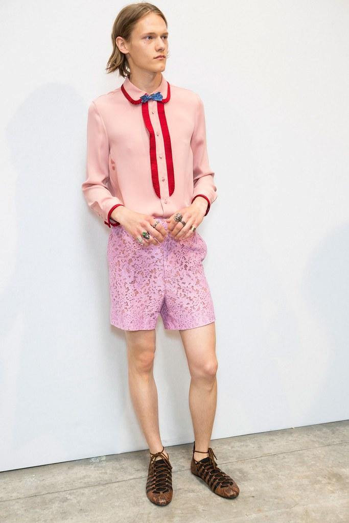 Ryan Keating3085_SS16 Milan Gucci(fashionising.com)