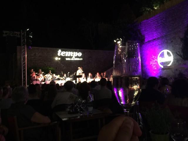 Brindando con cava en el Festival Tempo de Girona