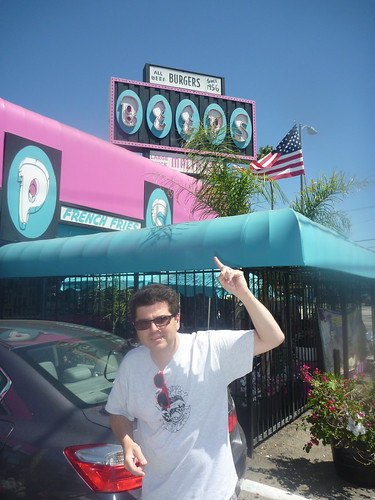 Beeps Fast Food Van Nuys CA - Photos by Keith Valcourt for Retro Roadmap
