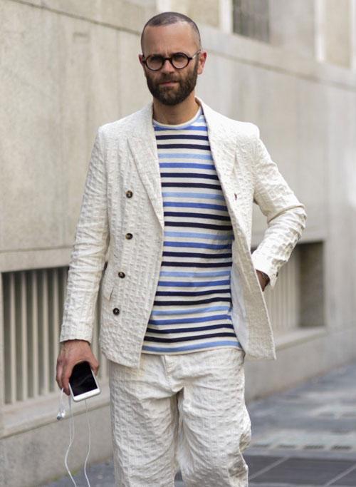 白シアサッカーダブルジャケット×パンツのセットアップ×ボーダーTシャツ