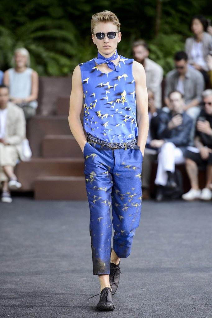 Jeroen Smits3262_SS16 Paris Issey Miyake(fashionising.com)