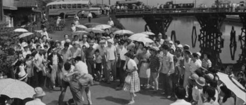 43−宇都宮の八日市場通りの押切橋(田川)でけんかする