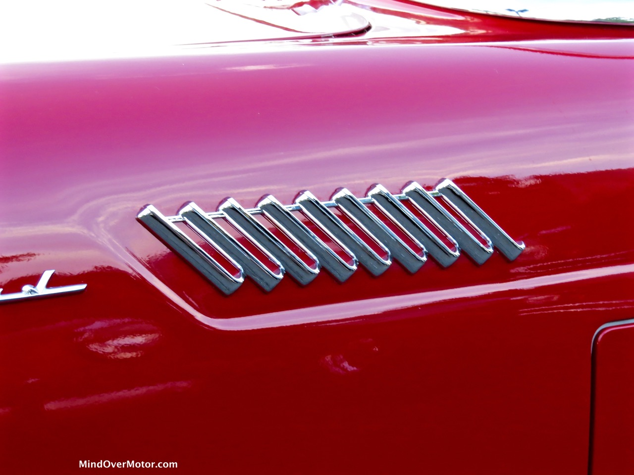 1957 Ford Thunderbird Scallop