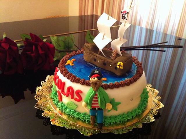Cake by Francis Ruiz of EL CAPRICHO DULCE