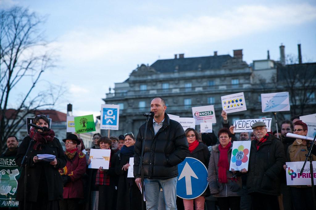 20170205 Tanítanék Civilek tüntetés