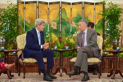 U.S. Secretary of State John Kerry speaks with Singapore Prime Minister Lee Hsien Loong at the Istana, the President's residence and the Prime Minister's office, in Singapore, Singapore, on August 4, 2015, at the outset of a bilateral meeting during a visit to discuss regional issues and celebrate the country's 50th anniversary. [State Department Photo/Public Domain]
