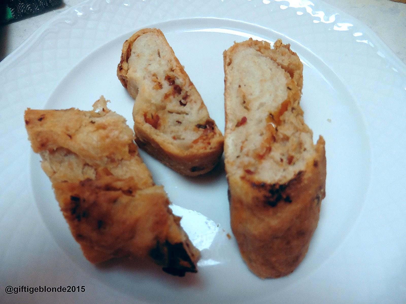 Brot mit getrockneten Paradeisern, Olivenöl und Rosmarin