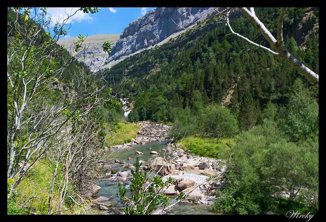 Río Arazas con Gradas de Soaso