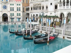 swimming pool(0.0), thermae(0.0), fountain(0.0), town square(0.0), plaza(0.0), water feature(1.0), water(1.0), tourism(1.0), leisure(1.0), vacation(1.0), gondola(1.0), boat(1.0), waterway(1.0),