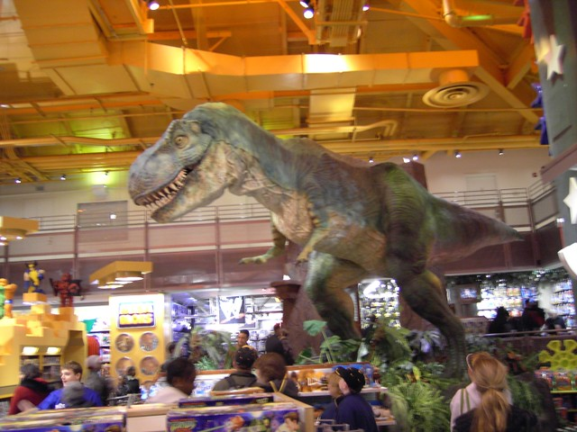 Dinosaurs Toys R Us : Toys r us dinosaur moving and roaring in