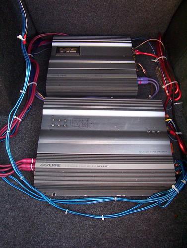 alpine amps