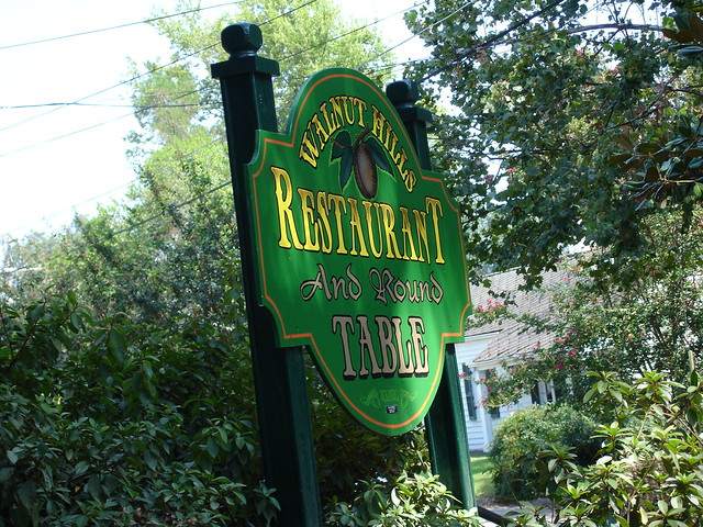 Walnut Hills Restaurant Sign, Vicksburg MS