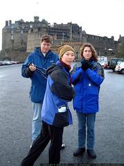 tourists at edinburgh castle   dscf3429