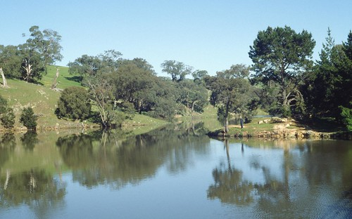creek australia victoria reservoir pykes