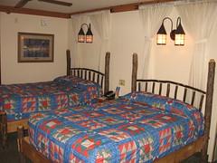 room(1.0), property(1.0), bed sheet(1.0), inn(1.0), bedroom(1.0),