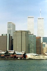 Brooklyn - Fulton Ferry: View of World Trade Center