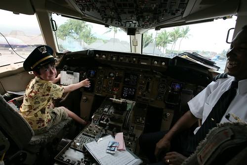 kona, hawaii, hawaiian air, cockpit, boy, p… IMG_8888