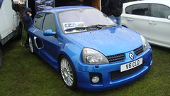 automobile(1.0), automotive exterior(1.0), renault clio renault sport(1.0), renault clio v6 renault sport(1.0), family car(1.0), vehicle(1.0), subcompact car(1.0), city car(1.0), bumper(1.0), hot hatch(1.0), land vehicle(1.0), hatchback(1.0),