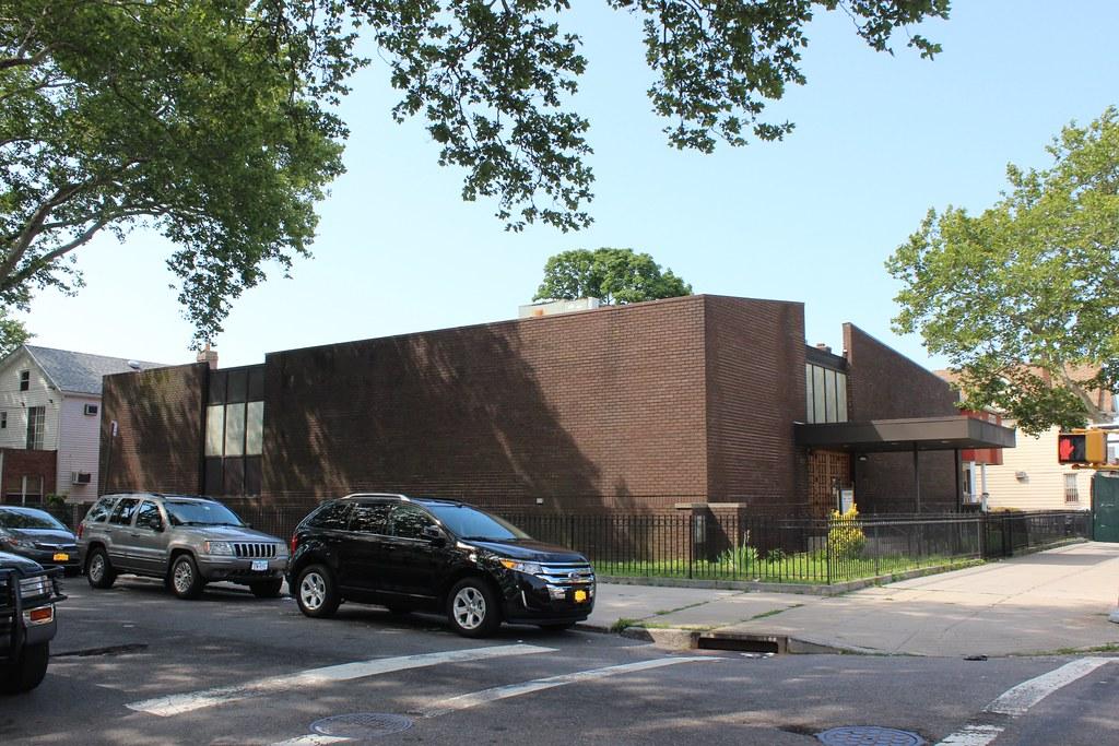 Breukelen houses new york tripcarta for Linden motor inn brooklyn