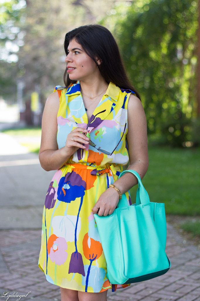 floral print dress, mint leather tote, white slides-3.jpg
