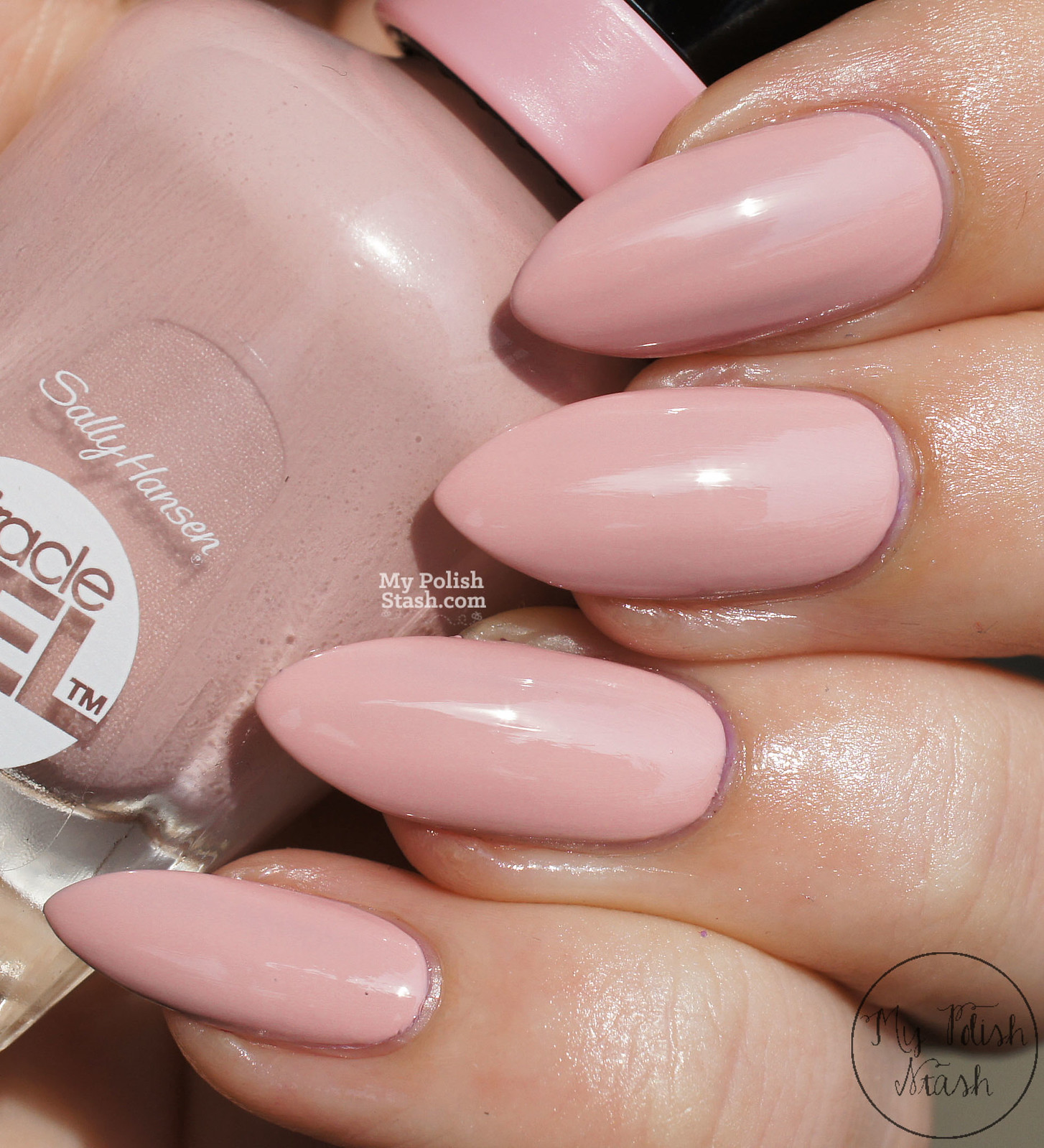 sally-hansen-miracle-gel-pinky-promise-swatch-2