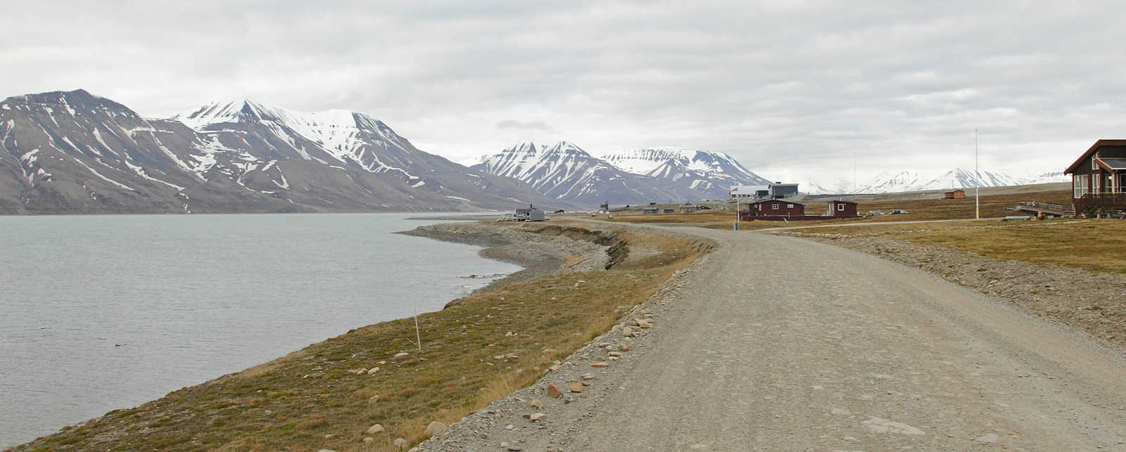 View back to Adventdalen