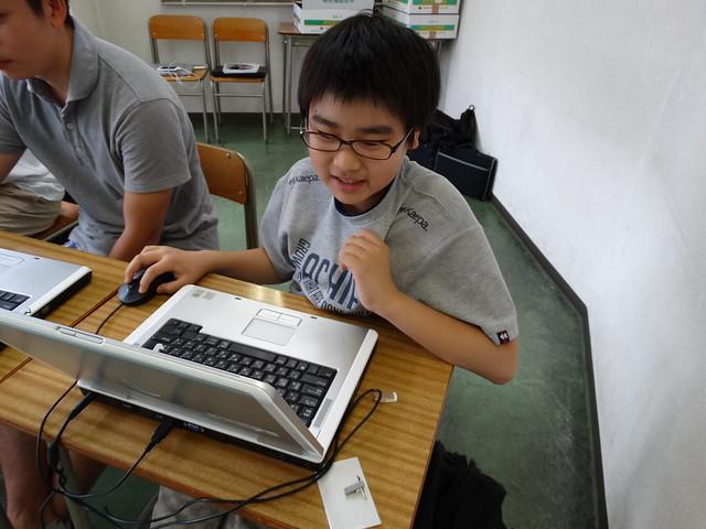 ファミリオ夏期中高プログラミング教室 楽しくプログラミング