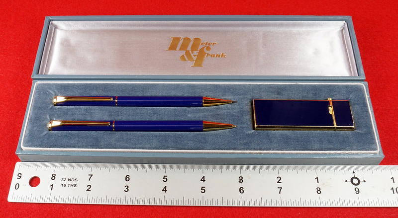 RD15089 Vintage Meier & Frank Pencil and Ink Pen with Long Sharp Lighter Set in Box Japan DSC07519