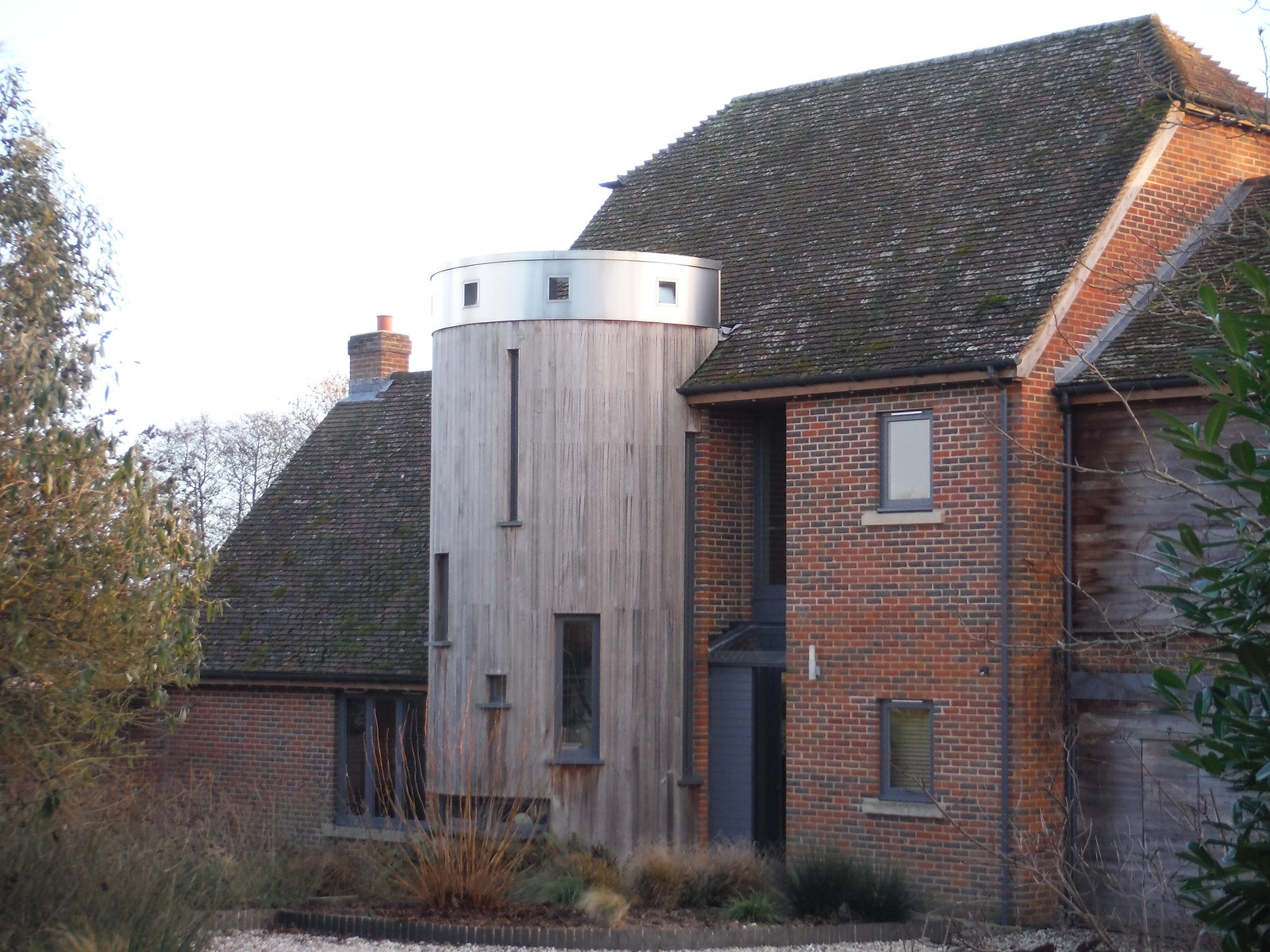 Modernised Farm House SWC Walk 34 Newbury Racecourse to Woolhampton (Midgham Station)