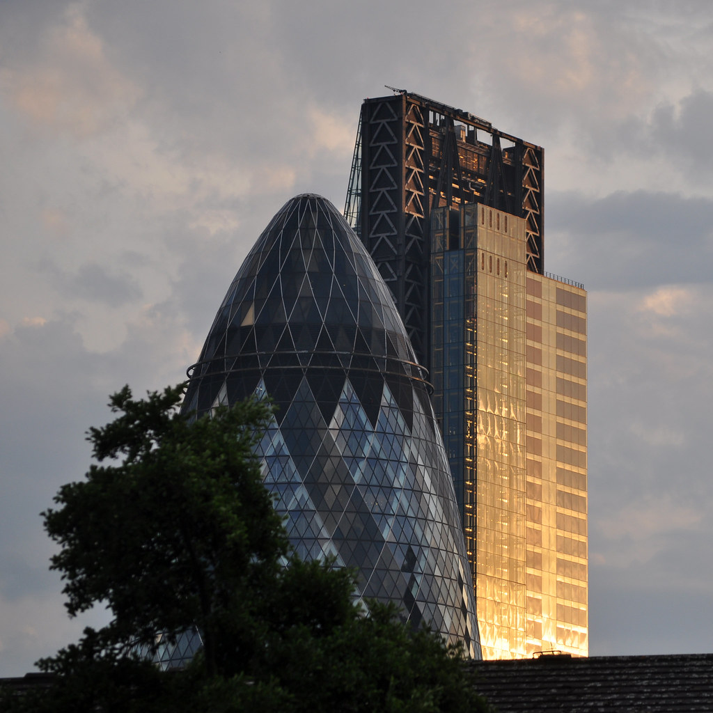 The Leadenhall Building City Of London 225m 48 Fl Page 571 Skeleton Tower 7093 Gherkin And Sunset Catching By Stevekeiretsu On Flickr