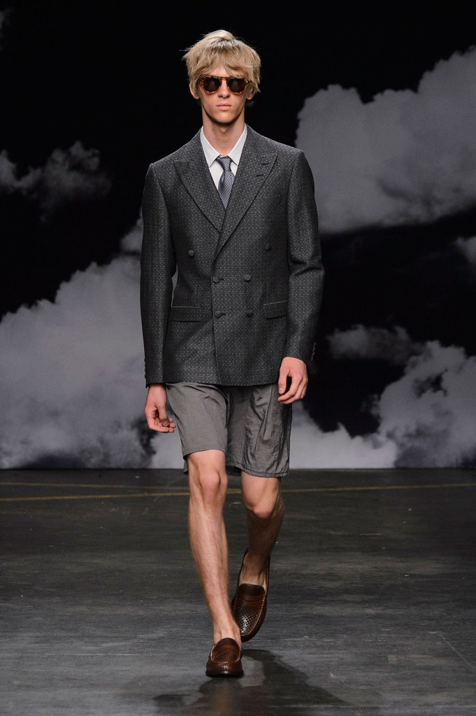 Dominik Sadoch3307_SS16 London Tiger of Sweden(fashionising.com)