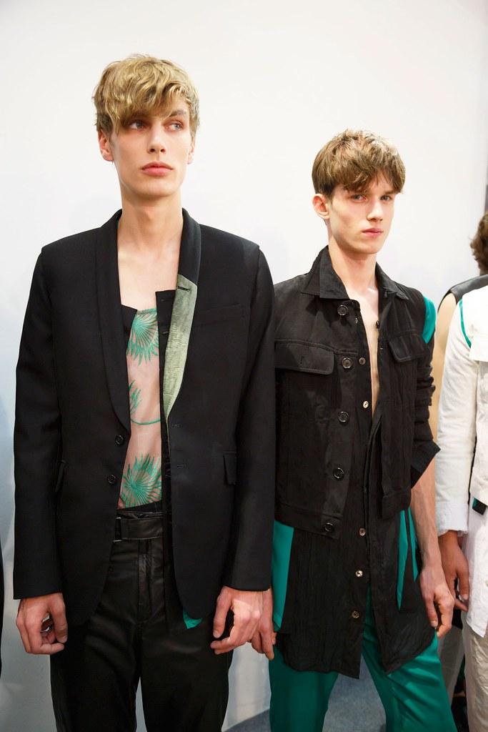 Yulian Antukh(Antuh)3208_SS16 Paris Ann Demeulemeester(fashionising.com)