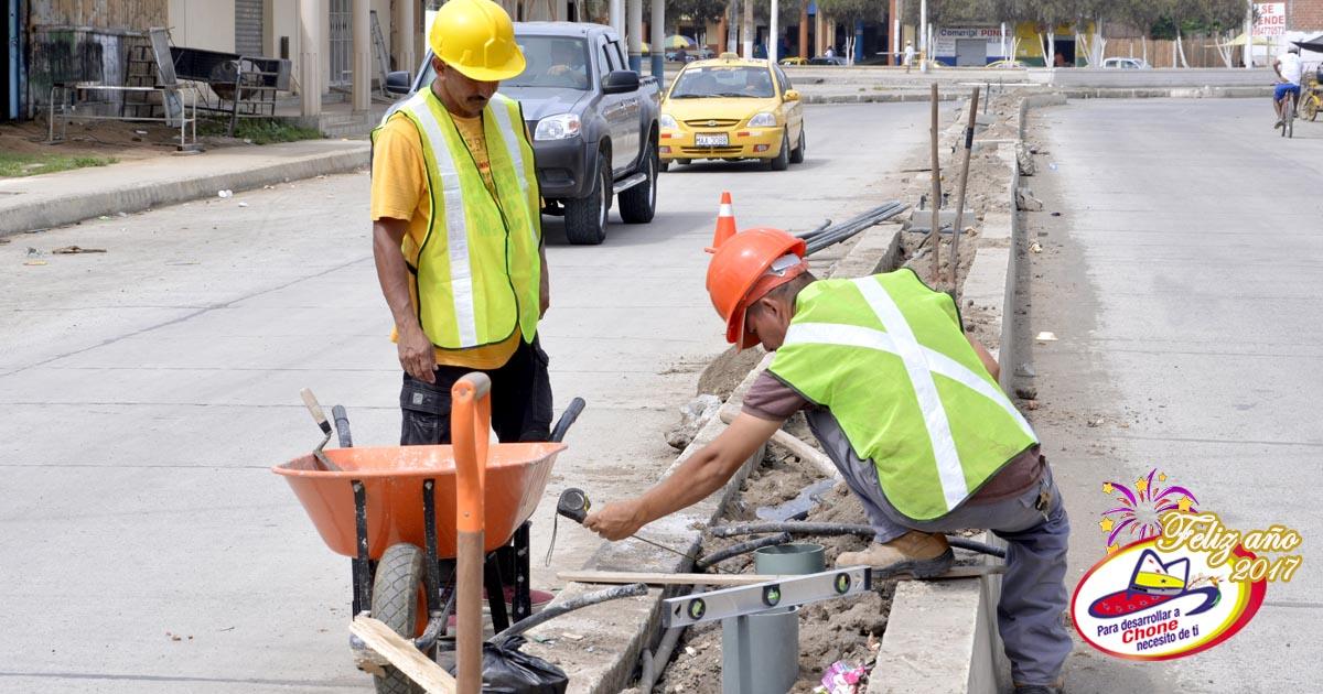 Inician trabajos para iluminación de avenida 14 de Agosto