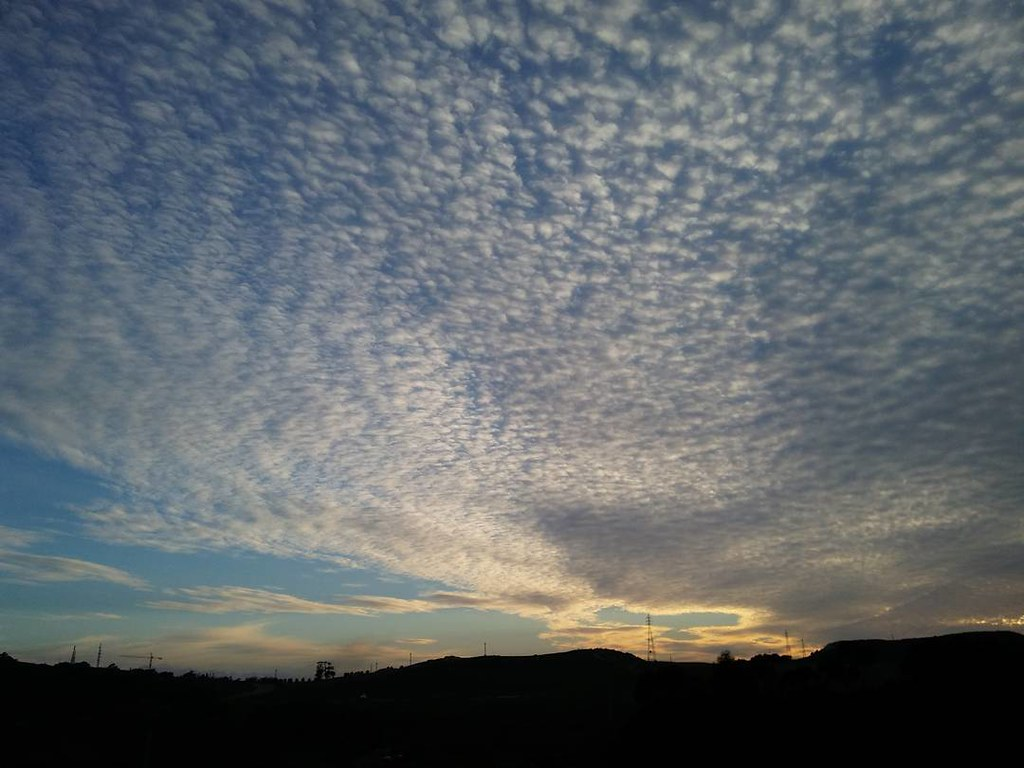 Atardeceres que no necesitan filtro. #Coruña #nofilter #sinfiltro #nubes #clouds