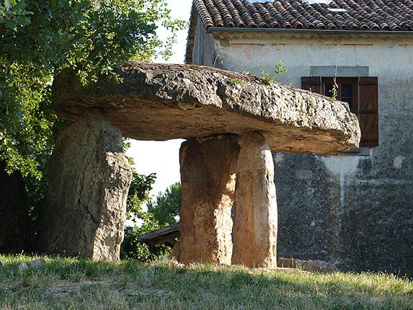 dolmen de la pierre de la fée