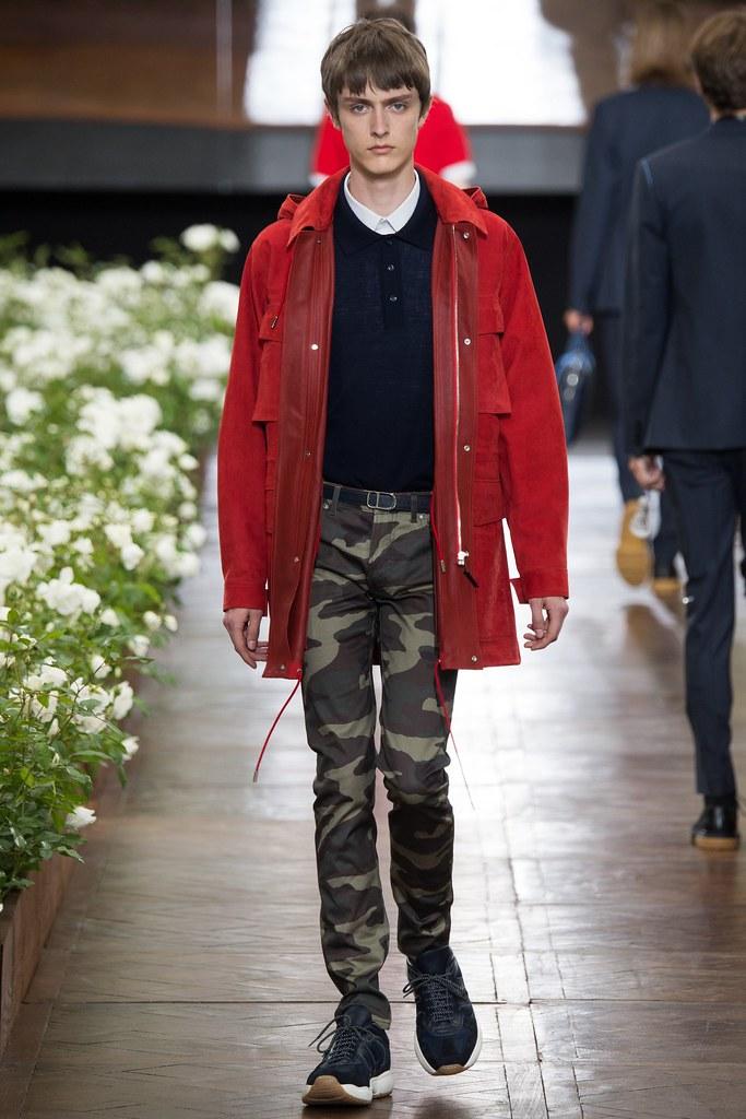 Jesper Trip3064_SS16 Paris Dior Homme(VOGUE)
