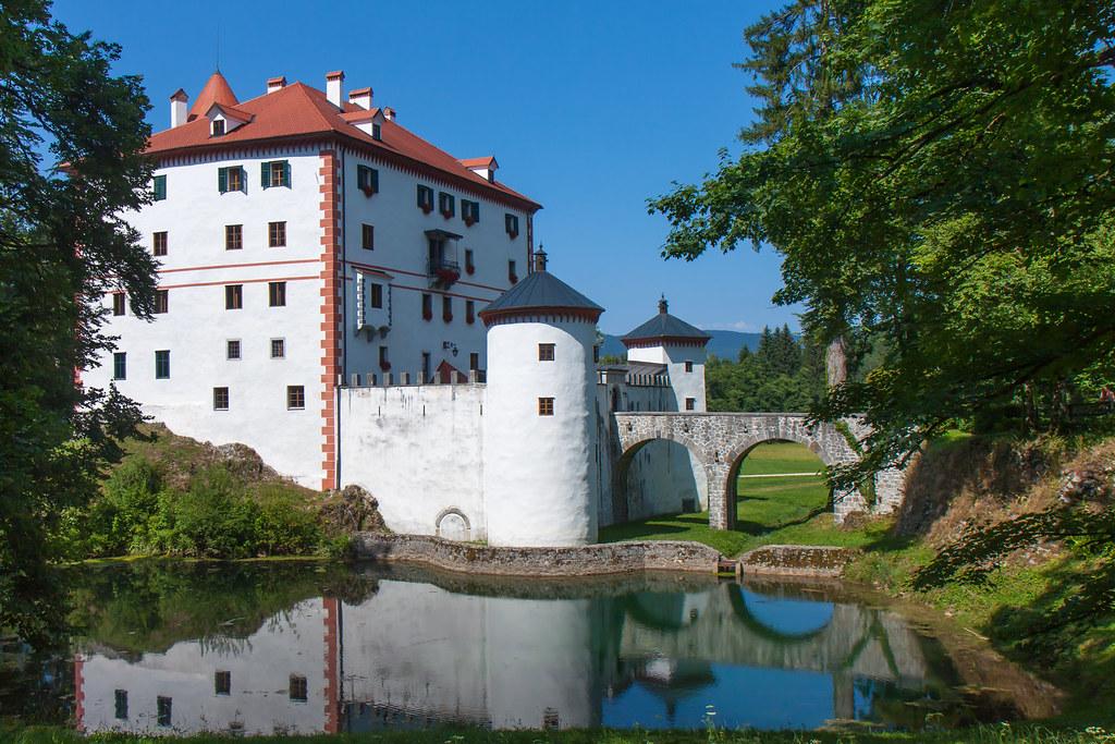 Slovenia, Snežnik Castle