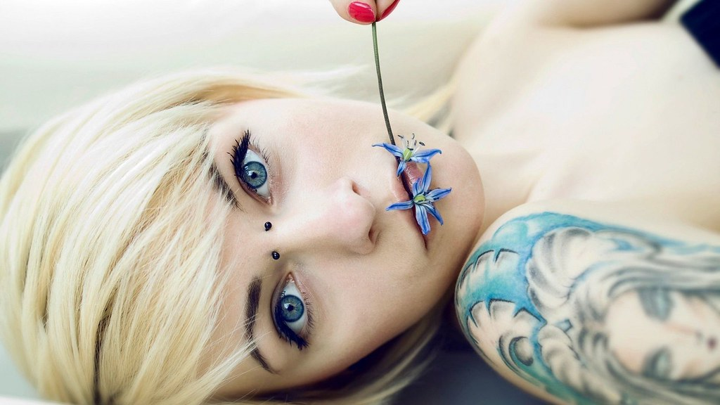 ... StylishHDwallpapers Beautiful Emo Girl Lips Flowers   by StylishHDwallpapers
