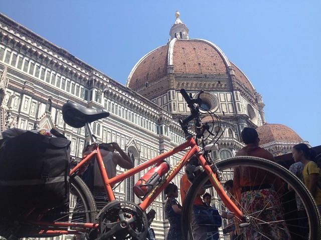In bici sulla via dei pellegrini l'avventura di Giuseppe Dell'Aere
