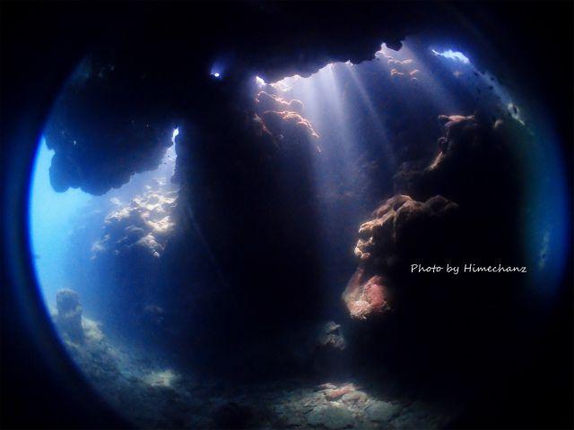 洞窟の光、めちゃくちゃキレイでした!